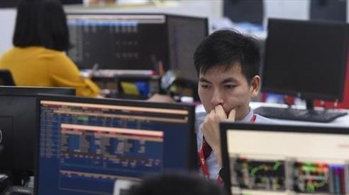 Nhà đầu tư đẩy mạnh chốt lời, thị trường chứng khoán điều chỉnh giảm
