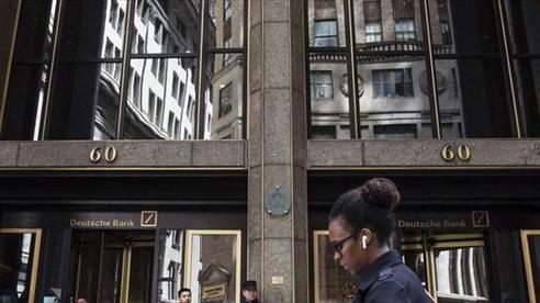 2 ngân hàng ngừng giao dịch với Tổng thống Trump