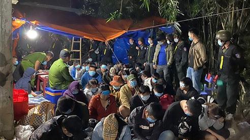 Khởi tố 32 đối tượng tham gia ổ cờ bạc 'khủng' tại Bình Định