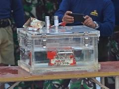 Vụ rơi máy bay ở Indonesia: Tìm thấy một số bộ phận của hộp đen thứ 2