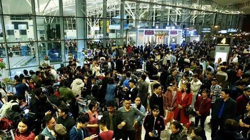 Tránh mua vé máy bay Tết quá cao, nhiều khách chọn bay 'lệch' cao điểm