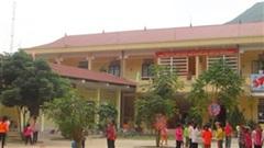 100 học sinh nhập viện sau khi ăn thực phẩm từ thiện