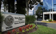 'Né' kiện tụng: Hiệp hội súng trường Mỹ nộp đơn phá sản