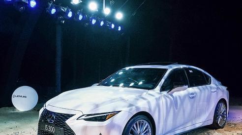 Mẫu xe Sedan Lexus IS 2021 ra mắt, giá bán từ 2130 tỷ đồng