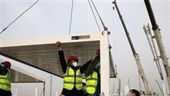 Trung Quốc xây dựng cấp tốc 'trại cách ly Covid-19'