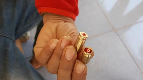 Công an nổ súng bắt vụ đánh bạc, 2 thanh niên trúng đạn?