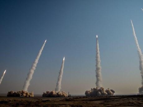 Iran bắn tên lửa đạn đạo tầm xa có thể diệt tàu chiến vào Ấn Độ Dương