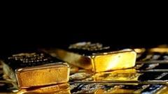 Giá vàng thế giới 16/1: Giảm 1% khi đồng đô la tăng giá
