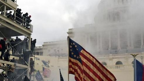 Bạo loạn Đồi Capitol: Ông Trump 'gieo gió', ông Biden 'gặt bão'