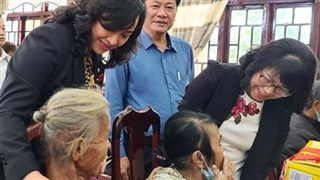 TP HCM mang Xuân đến các tỉnh miền Trung