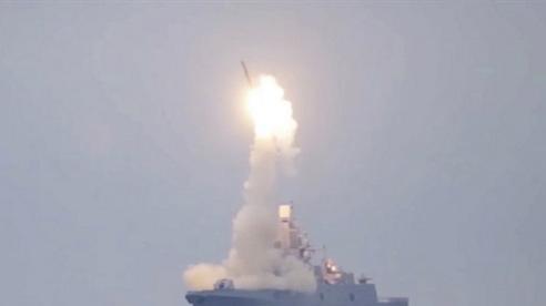 Chuyên gia gợi ý cách giải quyết hàng không mẫu hạm Mỹ