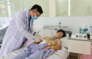 Bệnh viện Quân y 175 phẫu thuật cấp cứu kịp thời bệnh nhân nuốt nhiều kim loại