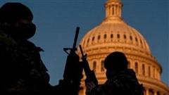 Mỹ tiếp tục siết chặt an ninh, bắt một đối tượng mạng súng gần Đồi Capitol
