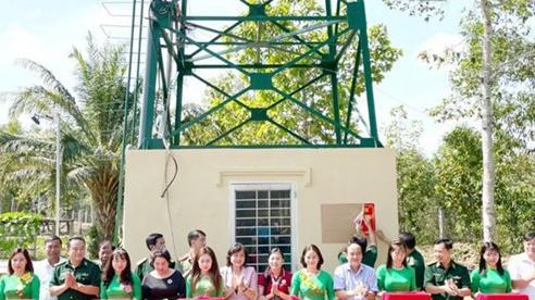 TP.HCM trao quà Tết tặng các hộ dân có hoàn cảnh khó khăn tỉnh Long An