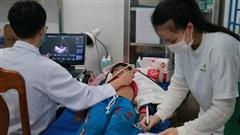 Gần 1.500 người ở huyện miền núi Nam Trà My được khám và phát thuốc miễn phí