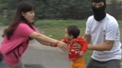 Cháu bé 8 tháng tuổi nghi bị một phụ nữ quê Hải Dương bắt cóc