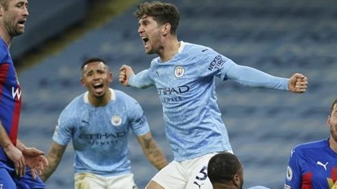 Thắng Crystal Palace 4-0, Man City đe dọa ngôi đầu