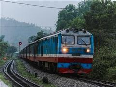 Đường sắt 'lo sốt vó' khoản tiền 6.800 tỷ đồng để thay đầu máy, toa xe
