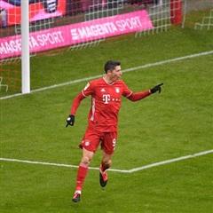 Vòng 16 Bundesliga: Bayern bắt đầu tách khỏi nhóm bám đuổi