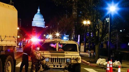 Đám đông biểu tình 'chùn bước', Washington vắng lặng như tờ