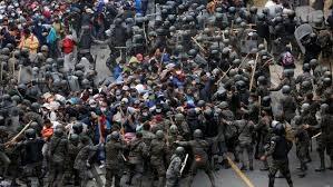 Hàng nghìn người kéo về biên giới Mỹ, trước ngày ông Biden nhậm chức