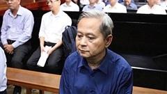Ông Nguyễn Hữu Tín bị suy tim, lần thứ 2 hoãn tòa xử ông Vũ Huy Hoàng và đồng phạm