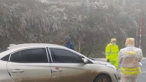 Xuất hiện băng tuyết tại miền núi phía Bắc, nên dừng xe ngay