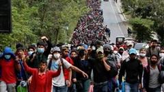 Người di cư ùn ùn đổ về Mỹ