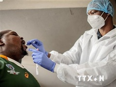 Biến thể mới ở Nam Phi có tốc độ lây lan nhanh và khiến bệnh nặng hơn