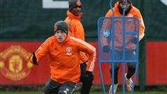 Van der Sar tiết lộ sự thật khó tin về Van de Beek ở MU