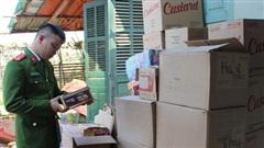 Cận Tết, thu giữ hơn 430 hộp bánh hết hạn sử dụng sắp tuồn ra thị trường
