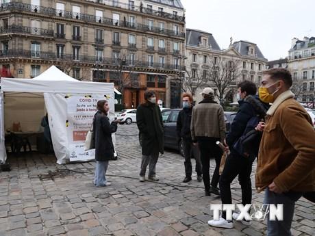 Pháp ghi nhận khoảng 2.000 ca nhiễm biến thể mới của virus SARS-CoV-2