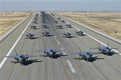 Chiến đấu cơ F-35 đối mặt với nguy cơ bị 'thất sủng'