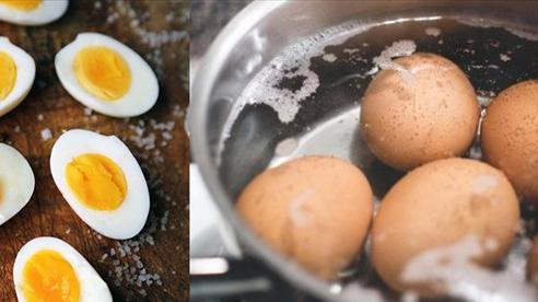 5 sai lầm khủng khiếp khi luộc trứng gà