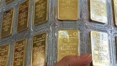 Lội ngược dòng, giá vàng tăng mạnh trở lại