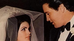 Vợ huyền thoại âm nhạc Elvis Presley không được phép gặp chồng khi chưa trang điểm
