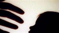 Trung Quốc: Bắt giữ nam phụ huynh hành hung bé trai giữa lớp