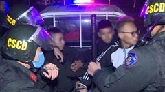Nhóm thiếu niên 'choai choai' chuyên tụ tập đánh võng, tạt đầu xe trêu chọc cảnh sát