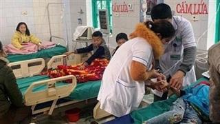 Nghệ An: 7 học sinh tiểu học nhập viện cấp cứu sau khi ăn sáng của cửa hàng trước cổng trường