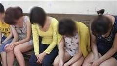 5 nữ nhân viên bán dâm trong quán cà phê thư giãn 'Sao đêm quán'
