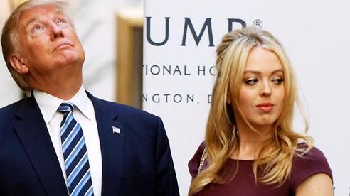 Con gái ông Trump khoe nhẫn đính hôn triệu đô