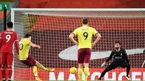 Liverpool thua ở Anfield sau 1.369 ngày, điềm báo cực xấu