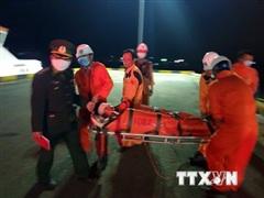 Kịp thời đưa về bờ an toàn một thuyền viên bị nạn nguy kịch trên biển