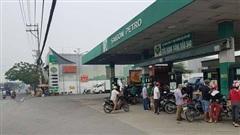Nổ súng ở 1 cây xăng tại quận Bình Tân, TP HCM