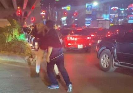 Khởi tố vụ tài xế đánh người vì nhắc dừng chờ đèn đỏ ở Hà Nội
