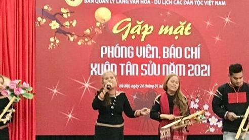 Cùng đón Xuân tại Làng Văn hóa - Du lịch các dân tộc Việt Nam