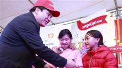 Vietjet mang niềm vui Tết đến với bà con ở Lào Cai