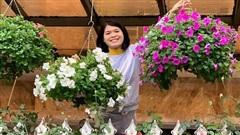 Ngôi nhà quanh năm rực rỡ sắc hương hoa hồng và đủ loại cây ăn quả ở Hà Nội