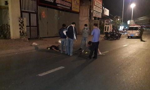 Thanh niên nằm chết bên đường với vết thương trên cổ