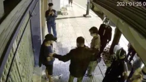 Vụ đi 'xế hộp' tiền tỷ, trộm chậu kiểng của cụ bà 80 tuổi: Chủ nhà tiết lộ bất ngờ